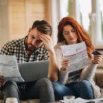 Kobieta i mężczyzna zadłużenie